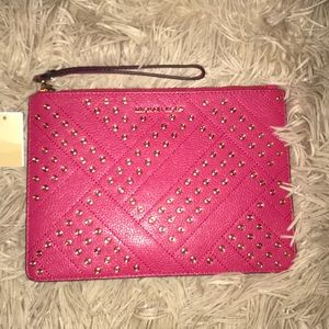 NWT Micheal Kors leather wristlet clutch